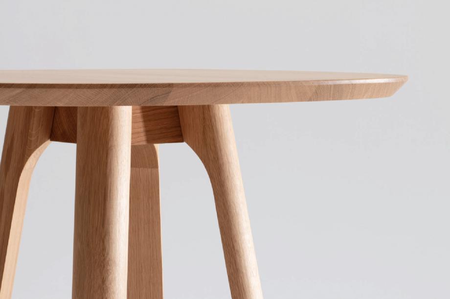 01708-rail-cafe-tisch-eiche-massivholz-eiche-zeitraum-moebel-nachhaltiges-design-special-sale (3)