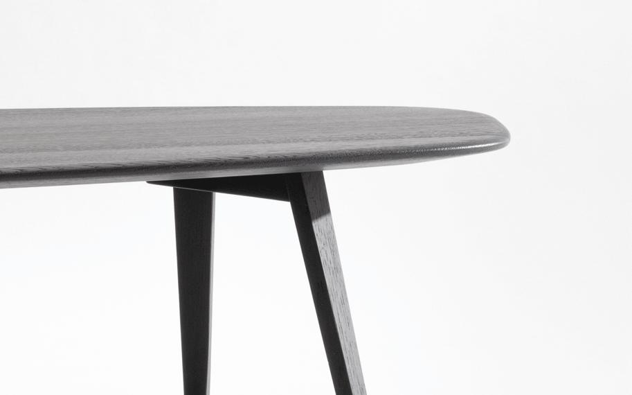 3-twist-stone-beistellzisch-massivholz-eiche-farbbeize-graphitgrau-formstelle-zeitraum-moebel