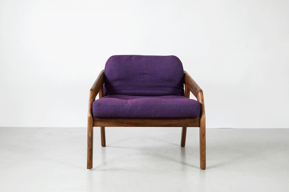 02219-1-friday-1-amerikanischer-nussbaum-massivholz-sessel-loungechair-formstelle-zeitraum-möbel-mid-century