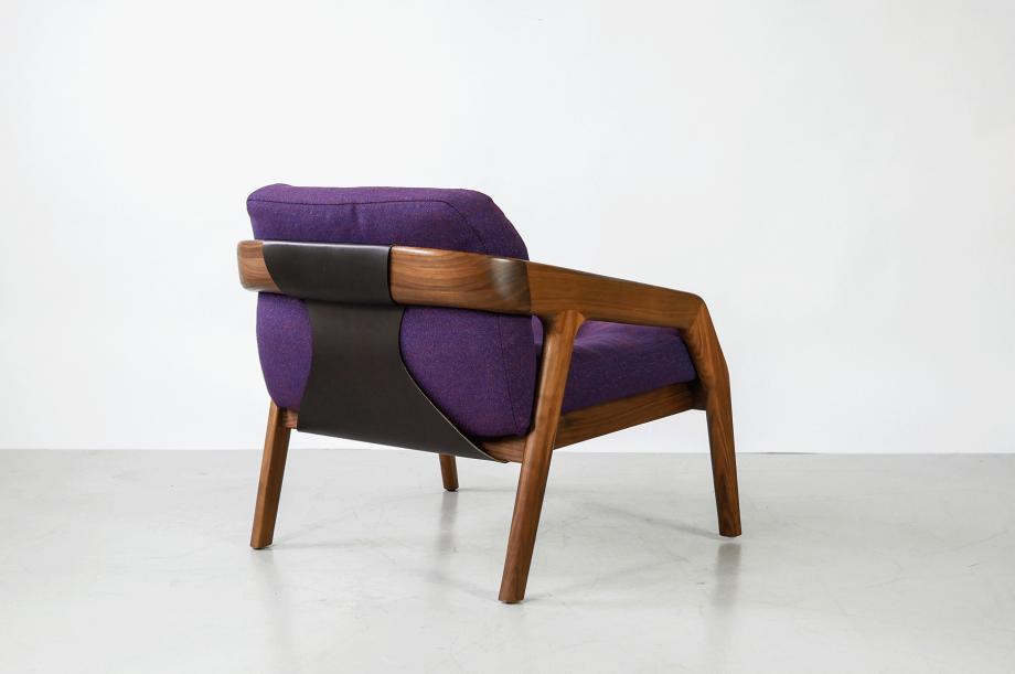 02219-2-friday-1-amerikanischer-nussbaum-massivholz-sessel-loungechair-formstelle-zeitraum-möbel-mid-century