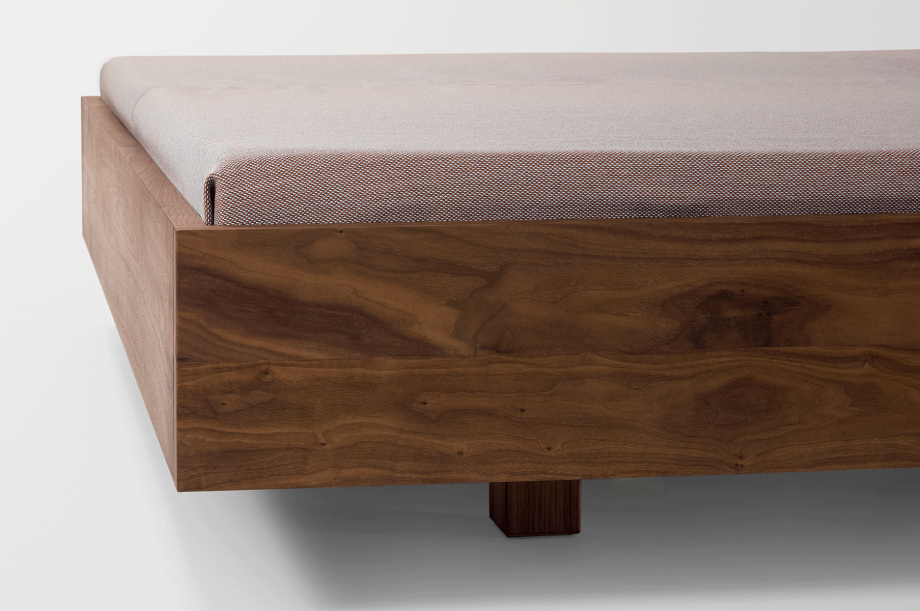 01410-simple-hi-bett-massivholz-kopfteil-amerikanischer-nussbaum-160-nachhaltiges-design-special-sale-zeitraum-moebel (4)