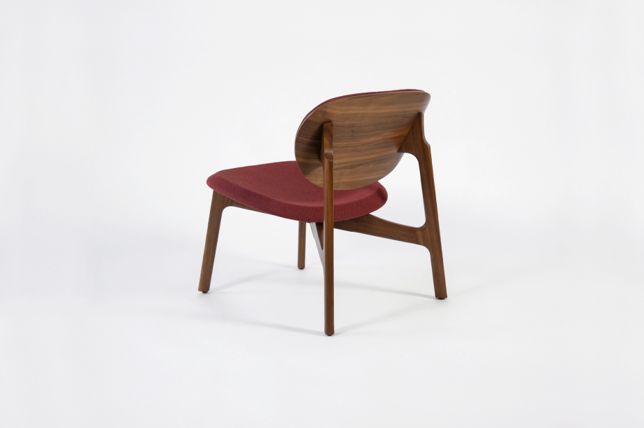 01923-zenso-lounge-lounger-loungestuhl-gestell-massivholz-amerikanischer-nussbaum-gepolstert-detail2-zeitraum-moebel-x