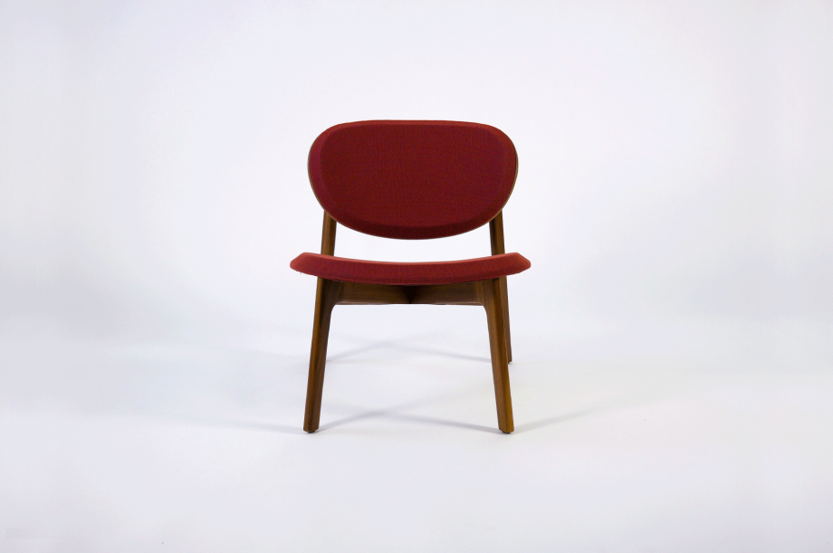 01923-zenso-lounge-lounger-loungestuhl-gestell-massivholz-amerikanischer-nussbaum-gepolstert-detail5-zeitraum-moebel-x