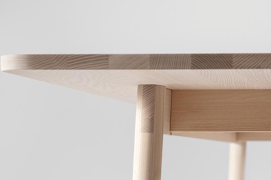 02199-taut-tisch-massivholz-esche-weiß-geölt-detail3-zeitraum-moebel-x