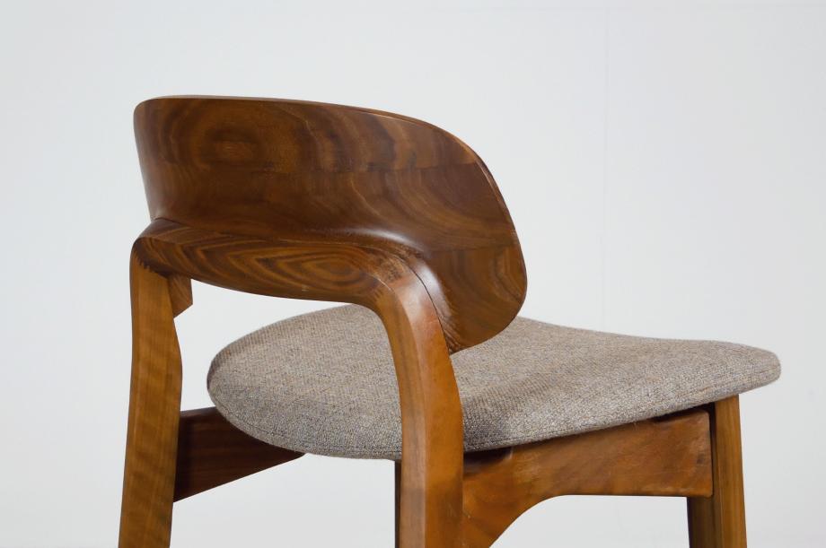 02202-nonoto-bar-barhocker-klein-massivholz-amerikanischer-nussbaum-detail4-zeitraum-moebel-x