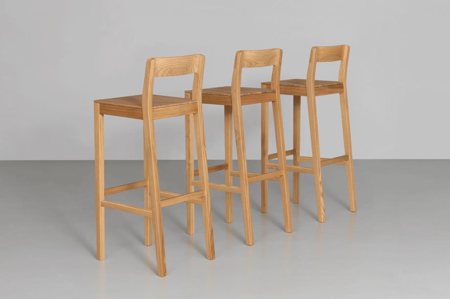02208-sit-bar-barstuhl–massivholz-eiche-zeitraum-moebel-special-sale-nachhaltiges-design-2