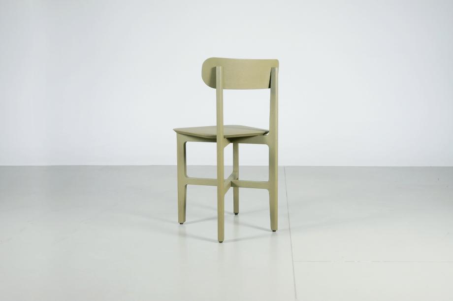 02242-1.3-chair-stuhl-massivholz-eiche-gebeizt-salbei-detail2-zeitraum-moebel-x