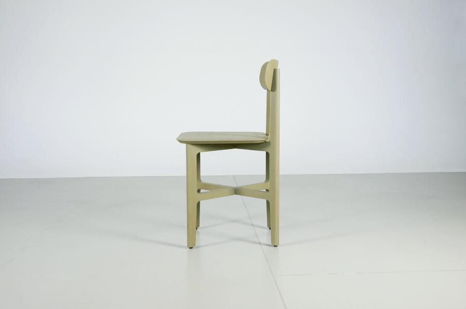02242-1.3-chair-stuhl-massivholz-eiche-gebeizt-salbei-detail3-zeitraum-moebel-x