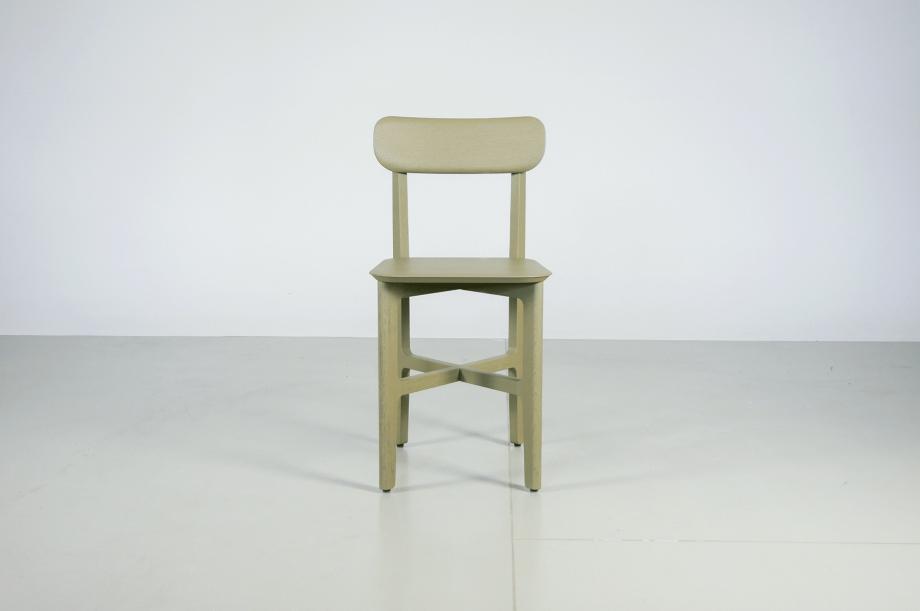 02242-1.3-chair-stuhl-massivholz-eiche-gebeizt-salbei-detail4-zeitraum-moebel-x