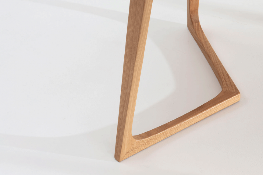 02295-twist-office-tisch-schreibtisch-buero-eiche-massivholz-zeitraum-moebel-nachhaltiges-design-special-sale-4