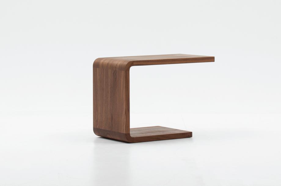 02305-waiter-beistellmöbel-massivholz-amerikanischer-nussbaum-zeitraum-moebel-nachhaltiges-design-special-sale (1)