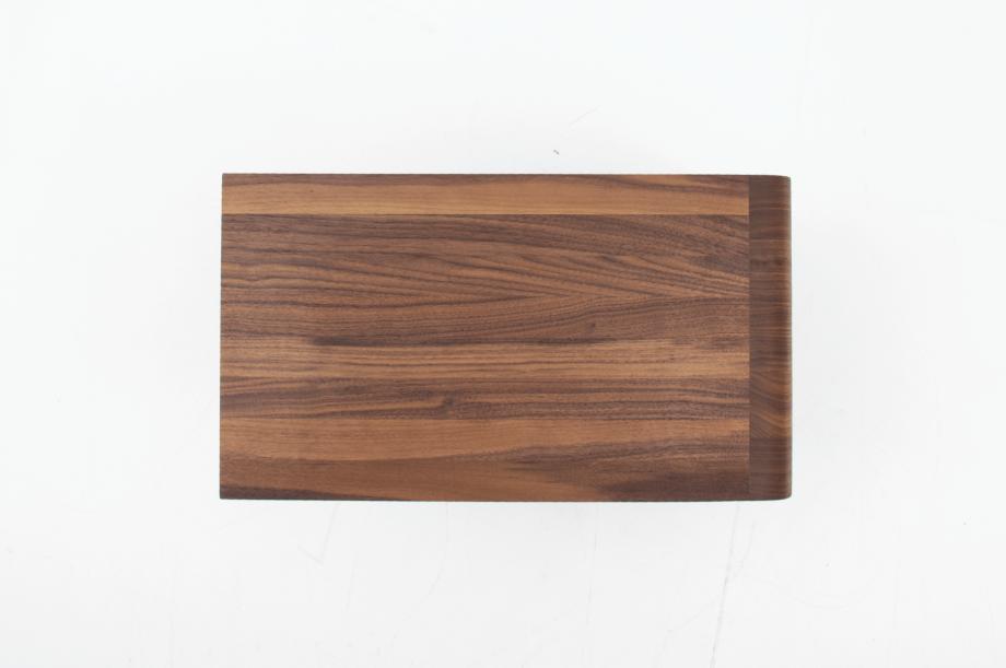 02305-waiter-beistellmöbel-massivholz-amerikanischer-nussbaum-zeitraum-moebel-nachhaltiges-design-special-sale (5)