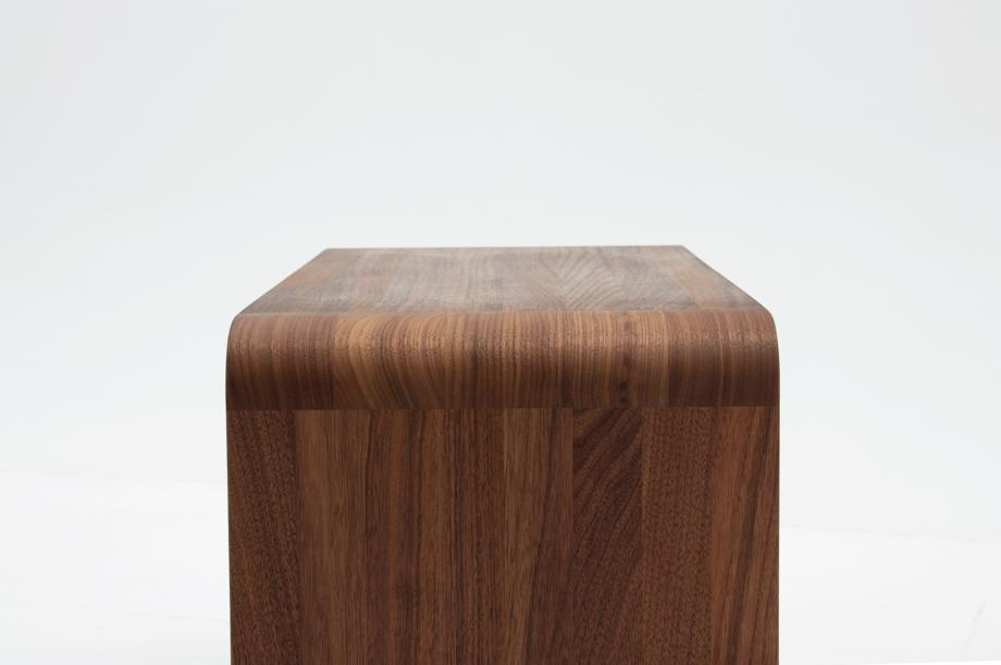 02305-waiter-beistellmöbel-massivholz-amerikanischer-nussbaum-zeitraum-moebel-nachhaltiges-design-special-sale (6)