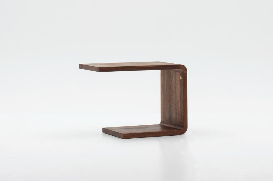 02305-waiter-beistellmöbel-massivholz-amerikanischer-nussbaum-zeitraum-moebel-nachhaltiges-design-special-sale (7)