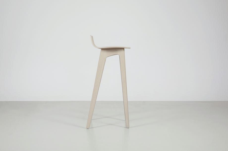 02195-morph-bar-barhocker-hochstuhl-eiche-warmgrau-hell-massivholz-zeitraum-moebel-nachhaltiges-design-special-sale (3)