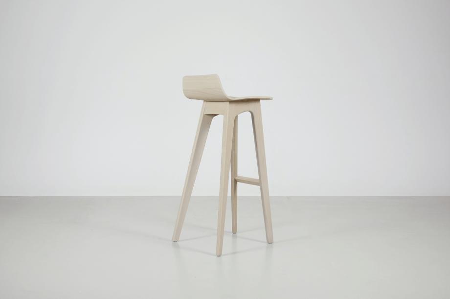 02195-morph-bar-barhocker-hochstuhl-eiche-warmgrau-hell-massivholz-zeitraum-moebel-nachhaltiges-design-special-sale (4)