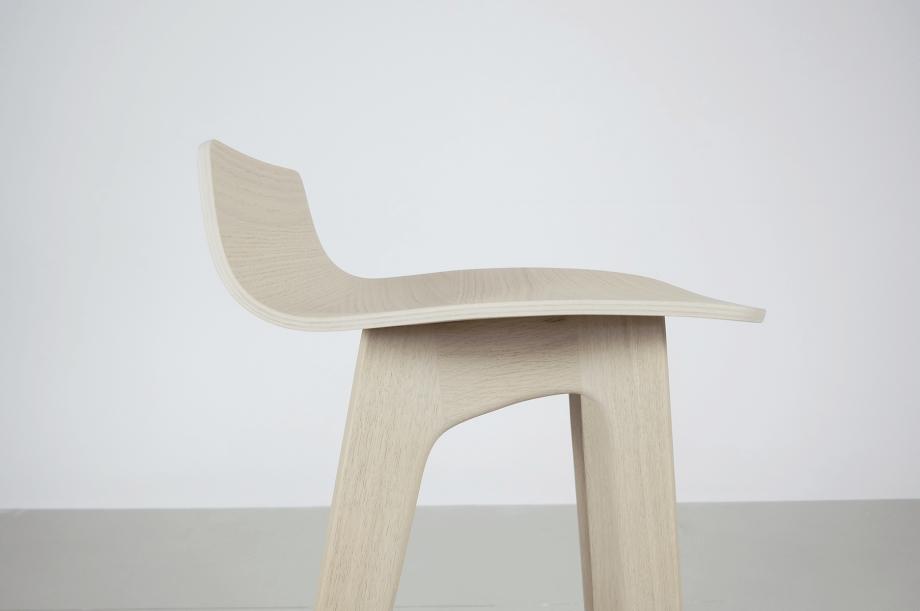 02195-morph-bar-barhocker-hochstuhl-eiche-warmgrau-hell-massivholz-zeitraum-moebel-nachhaltiges-design-special-sale (6)