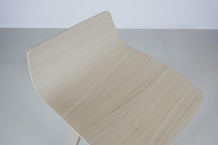 02195-morph-bar-barhocker-hochstuhl-eiche-warmgrau-hell-massivholz-zeitraum-moebel-nachhaltiges-design-special-sale (7)