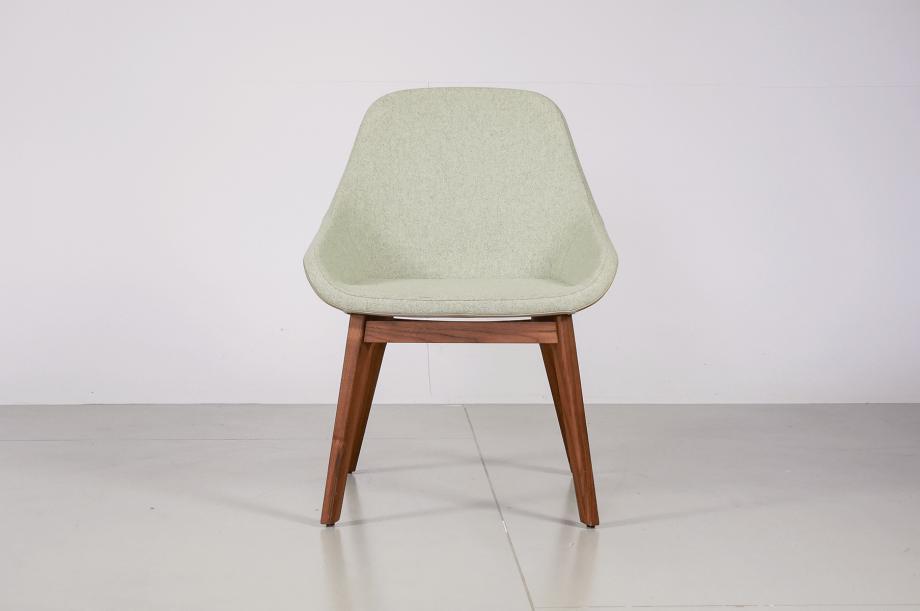 02276-1-morph-dining-esszimmersessel-kvadrat-medina-amerikanischer-nussbaum-massivholz-zeitraum-moebel-special-sale-nachhaltiges-design1