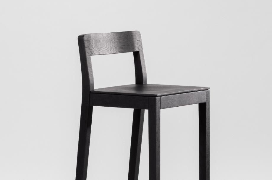 01913-2-sit-bar-barhocker-massivholz-Eiche-zeitraum-moebel-special-sale-nachhaltiges-design