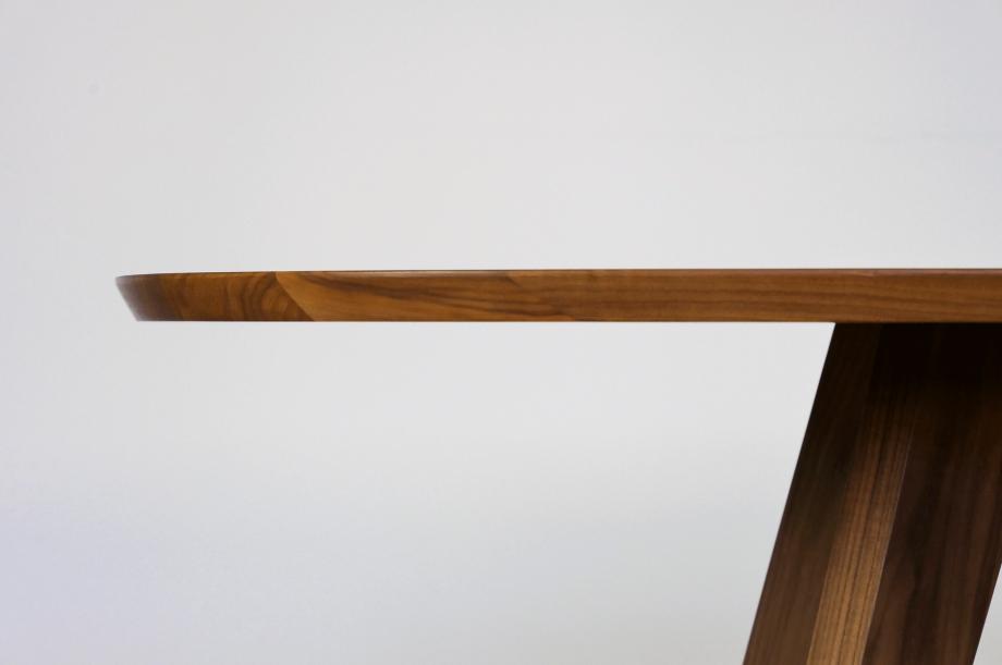 02261-cena-tisch-esstisch-hyperelliptisch-massivholz-amerikanischer-nussbaum-detail2-zeitraum-moebel-x