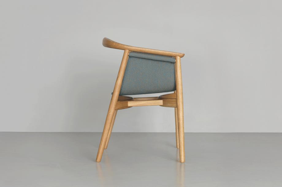 01426-pelle-stuhl-esszimmer-gestell-massivholz-eiche-gepolstert-rohi-sera-mirage-zeitraum-moebel-nachhaltiges-design-special-sale (4)