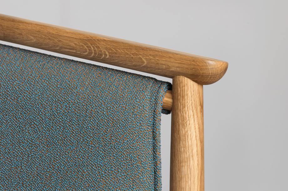 01426-pelle-stuhl-esszimmer-gestell-massivholz-eiche-gepolstert-rohi-sera-mirage-zeitraum-moebel-nachhaltiges-design-special-sale (6)