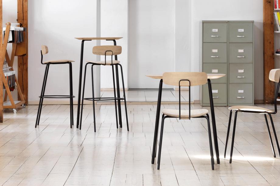 02236-okito-bar-barstuhl-metallgestell-schwarz-eiche-massivholz-special-sale-nachhaltiges-design-zeitraum-moebel (2)
