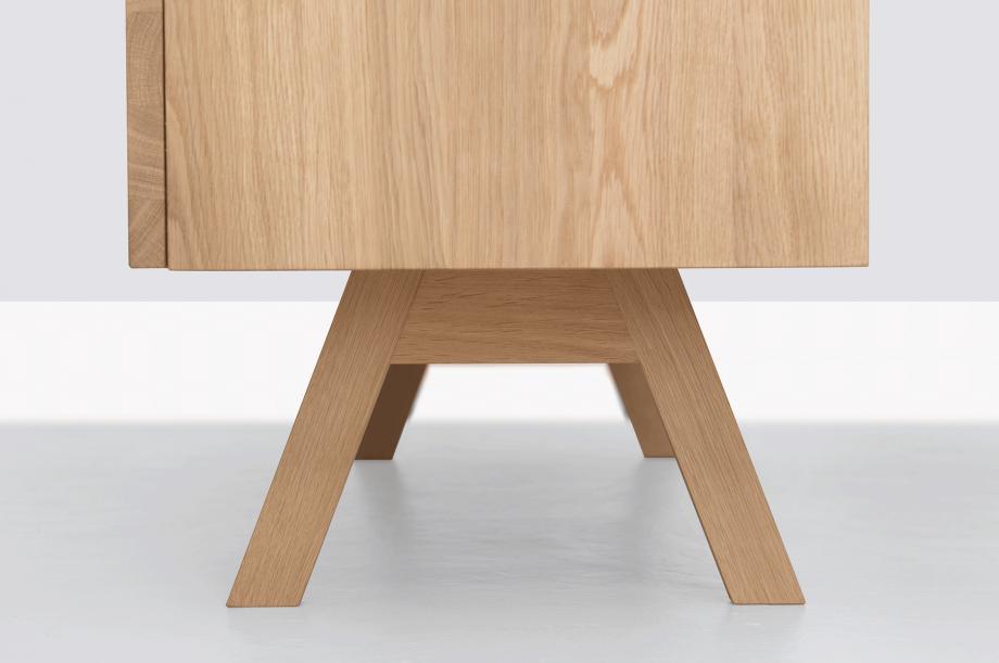 02355-low-atelier-kommode-sideboard-eiche-massivholz-formstelle-zeitraum-moebel-nachhaltiges-design-special-sale (3)