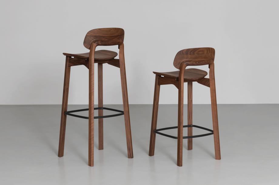 01747-nonoto-bar-barhocker-h65-massivholz-amerikanischer-nussbaum-special-sale-nachhaltiges-design-zeitraum-moebel (3)