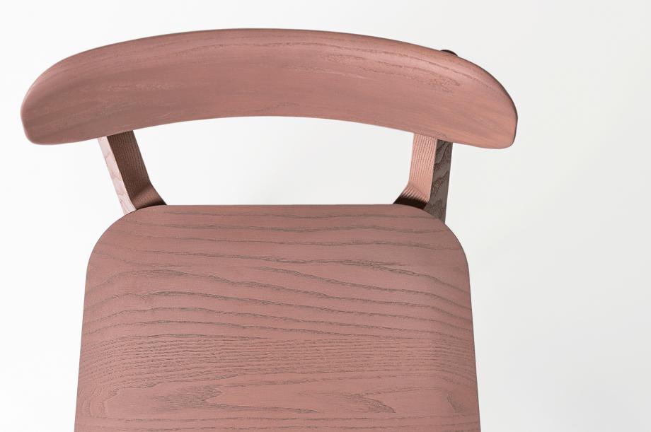 02241-1.3-chair-stuhl-massivholz-eiche-farbbeize-mauve-zeitraum-moebel-nachhaltiges-design-2