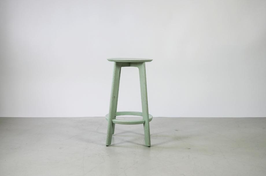 01907-1-3-bar-massivholz-eiche-farbbeize-mint-barhocker-h65-zeitraum-moebel-nachhaltiges-design-special-sale (2)
