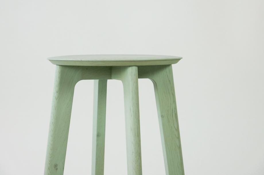 01907-1-3-bar-massivholz-eiche-farbbeize-mint-barhocker-h65-zeitraum-moebel-nachhaltiges-design-special-sale (5)