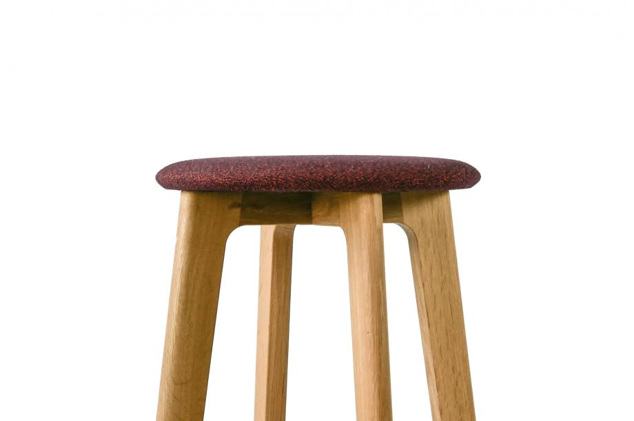 01959-1-3-bar-barhocker-rund-gepolstert-gestell-massivholz-eiche-zeitraum-moebel-nachhaltiges-design-special-sale (2)