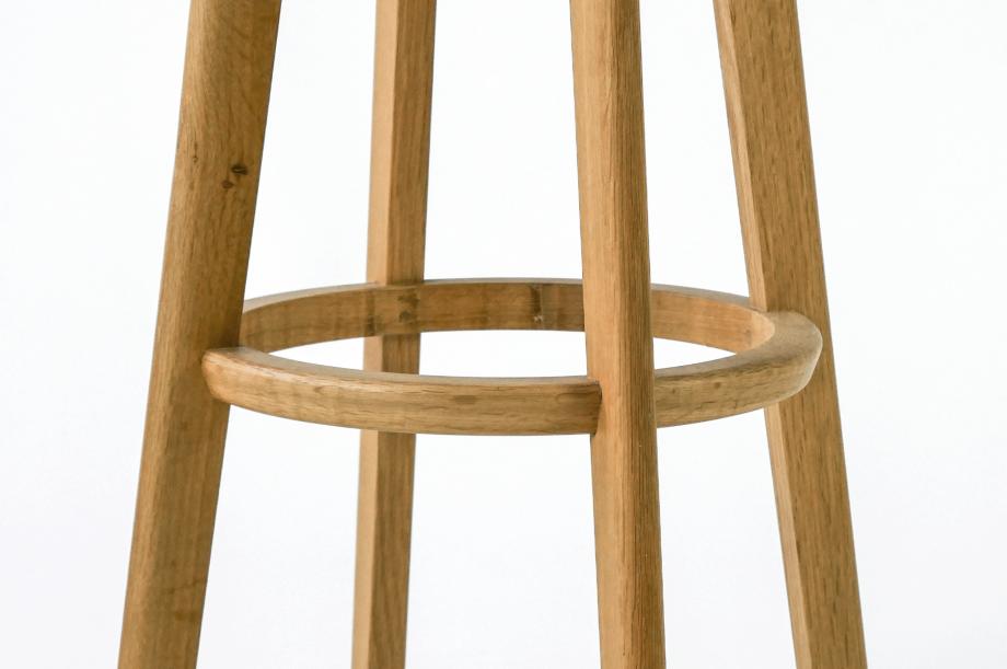 01959-1-3-bar-barhocker-rund-gepolstert-gestell-massivholz-eiche-zeitraum-moebel-nachhaltiges-design-special-sale (3)