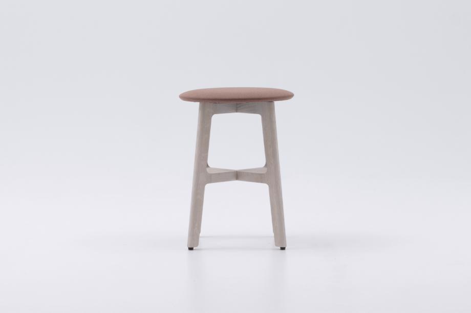 02389-1-3-stool-gestell-eiche-massivholz-gebeizt-kalk-gepolstert-special-sale-nachhaltiges-design-zeitraum-moebel-x (2)