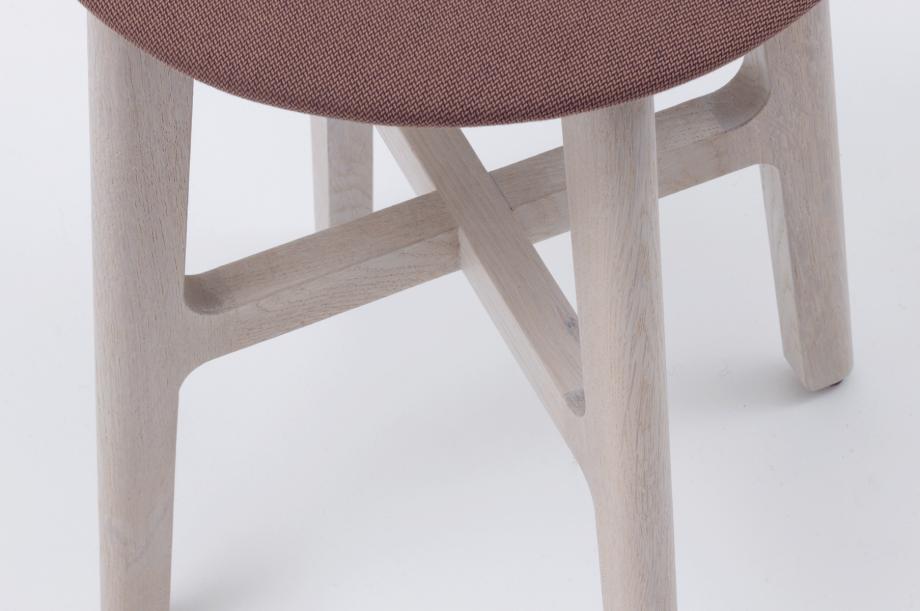 02389-1-3-stool-gestell-eiche-massivholz-gebeizt-kalk-gepolstert-special-sale-nachhaltiges-design-zeitraum-moebel-x (5)