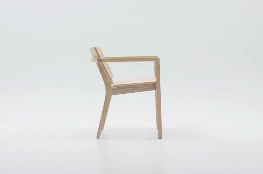 02452-finn-lounge-esche-weiß-lounge-chair-massivholz-zeitraum-moebel-nachhaltiges-design-special-sale (5)