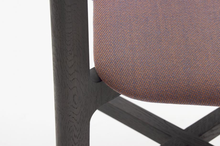 02465-1-3-chair-graphitgrau-polster-massivholz-eiche-farbbeize-zeitraum-moebel-nachhaltiges-desig-special-sale (6)