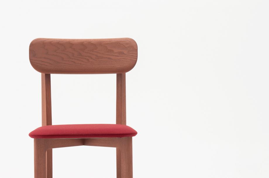 02466-1-3-chair-mauve-polster-stuhl-massivholz-eiche-farbbeize-mauve-zeitraum-moebel-nachhaltiges-desig-special-sale (2)