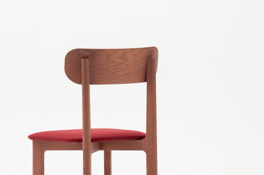 02466-1-3-chair-mauve-polster-stuhl-massivholz-eiche-farbbeize-mauve-zeitraum-moebel-nachhaltiges-desig-special-sale (5)