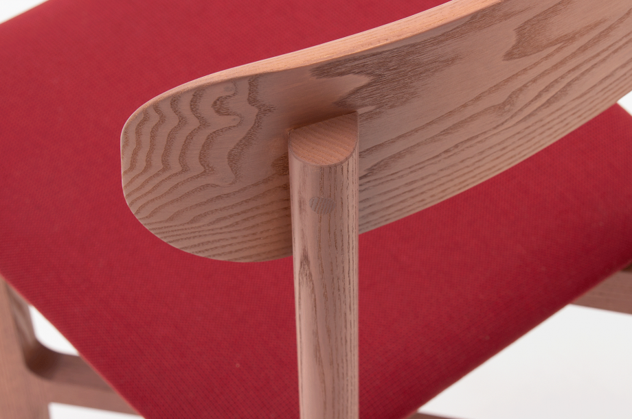 02466-1-3-chair-mauve-polster-stuhl-massivholz-eiche-farbbeize-mauve-zeitraum-moebel-nachhaltiges-desig-special-sale (6)
