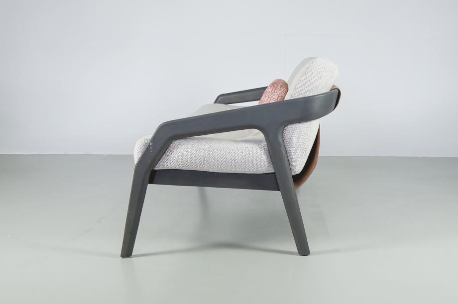 02230-friday-2-polstermoebel-sofa-gestell-massivholz-eiche-gebeizt-graphit-grau-zeitaum-moebel (4)